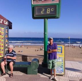 Aquí en Maspalomas(/Gran Canaria) febrero 2014 jubilado. Ici à Maspalomas ( Grand Canarie) février 2014 retraité.